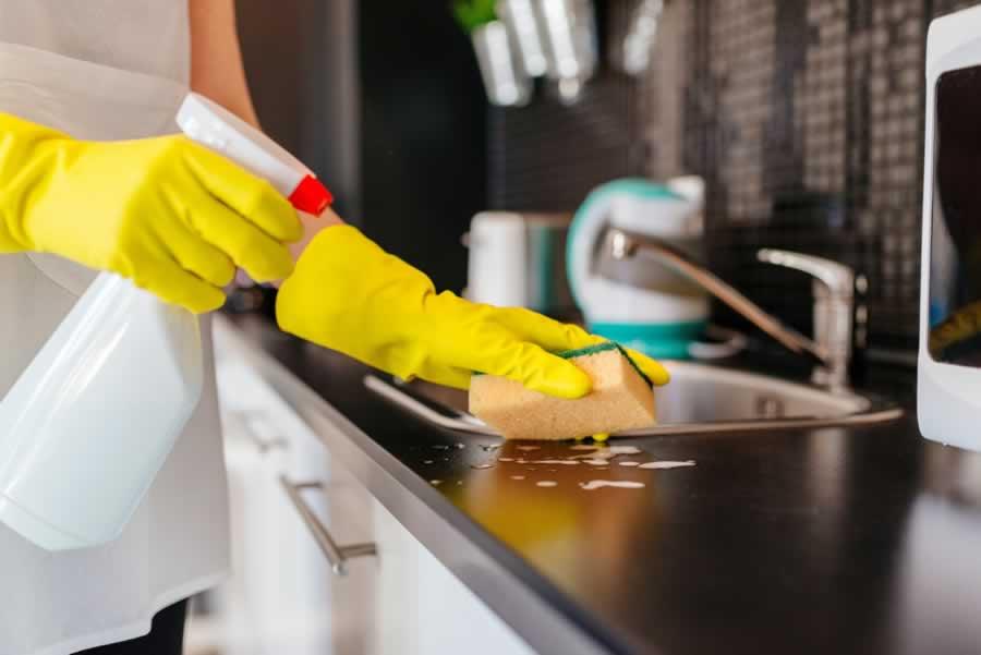 تنظيف المطبخ الالوميتال from blog.taskty.com